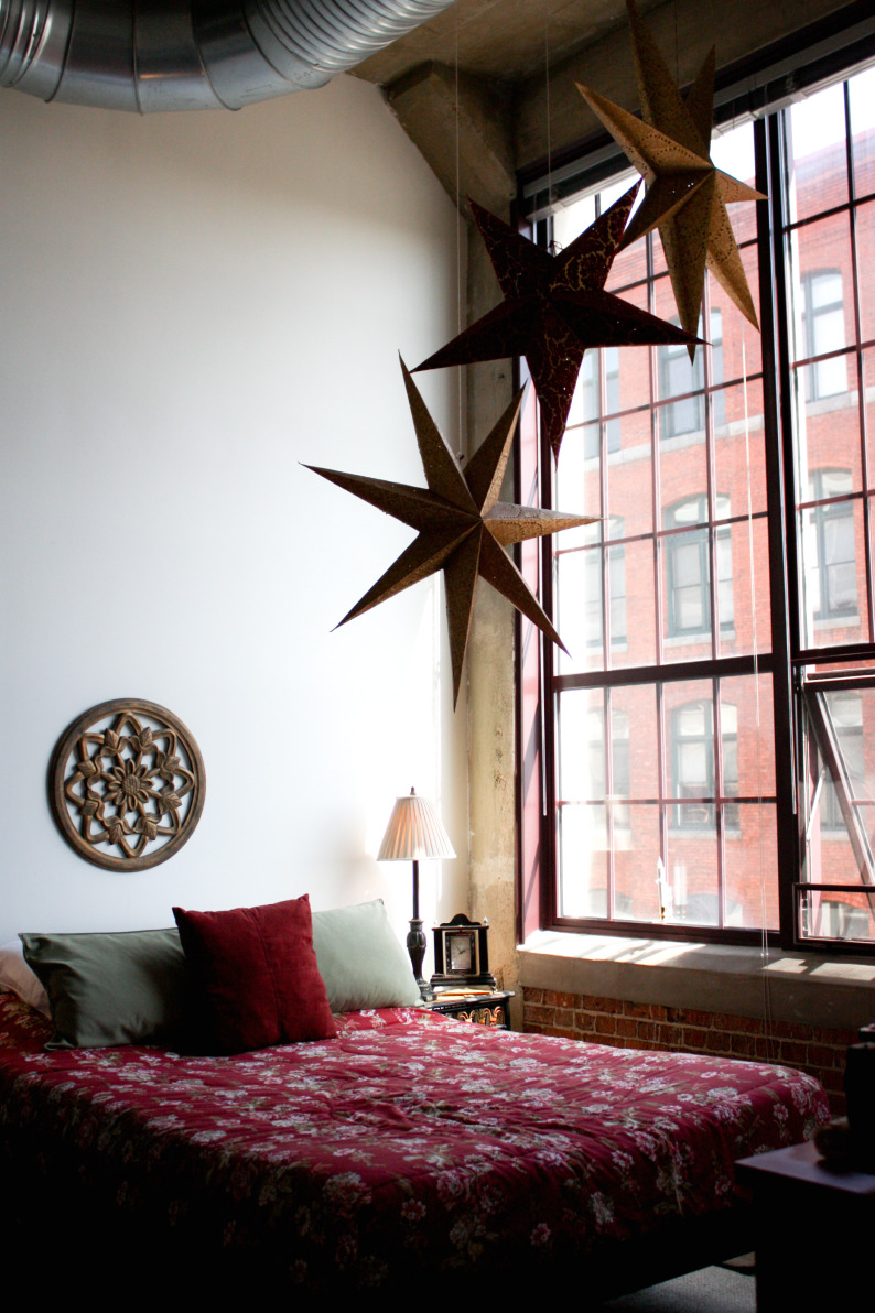 the downtown loft tour 2010. Black Bedroom Furniture Sets. Home Design Ideas