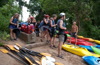 Kayakers support the Best Town Ever (35)