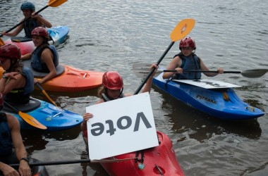 Kayakers support the Best Town Ever (24)