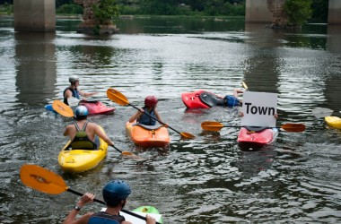 Kayakers support the Best Town Ever (21)