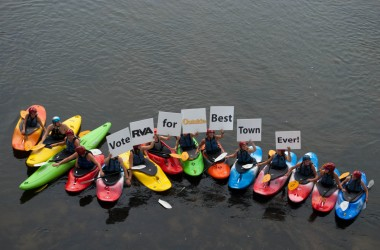 Kayakers support the Best Town Ever (14)