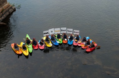 Kayakers support the Best Town Ever (11)