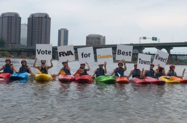 Kayakers support the Best Town Ever (7)