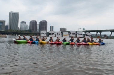 Kayakers support the Best Town Ever (6)