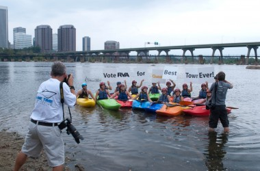 Kayakers support the Best Town Ever (5)