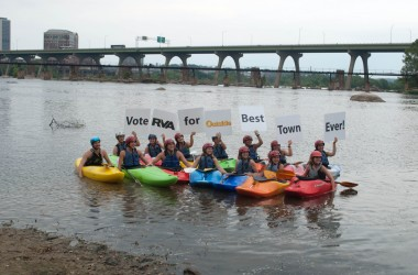 Kayakers support the Best Town Ever (3)