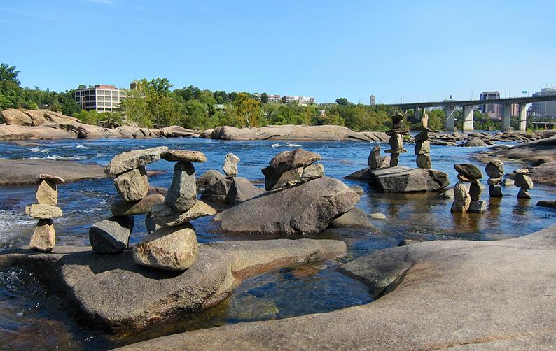 river_stonehenge