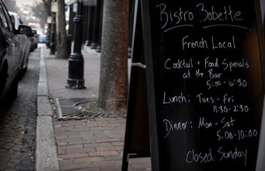 Bistro Bobette sign