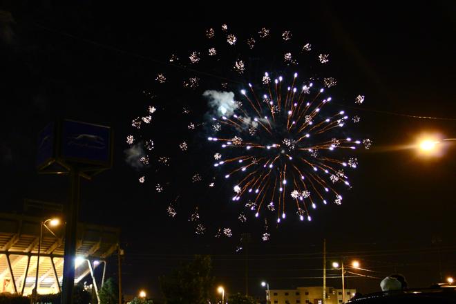 FireworksAtTheDiamond-04