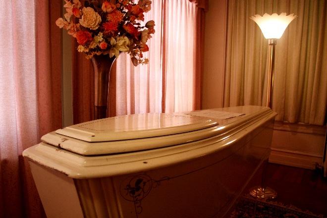 Billups Funeral Home-02