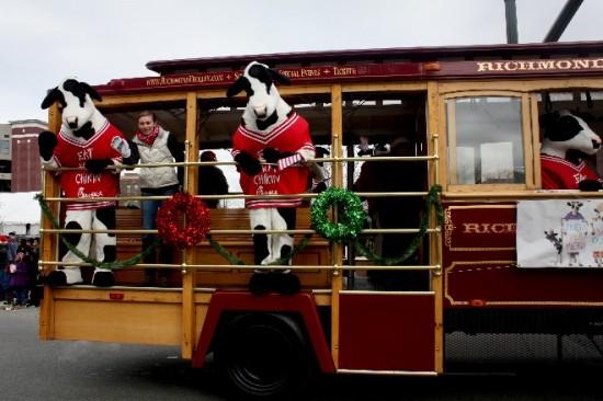 2013 Christmas Parade-17
