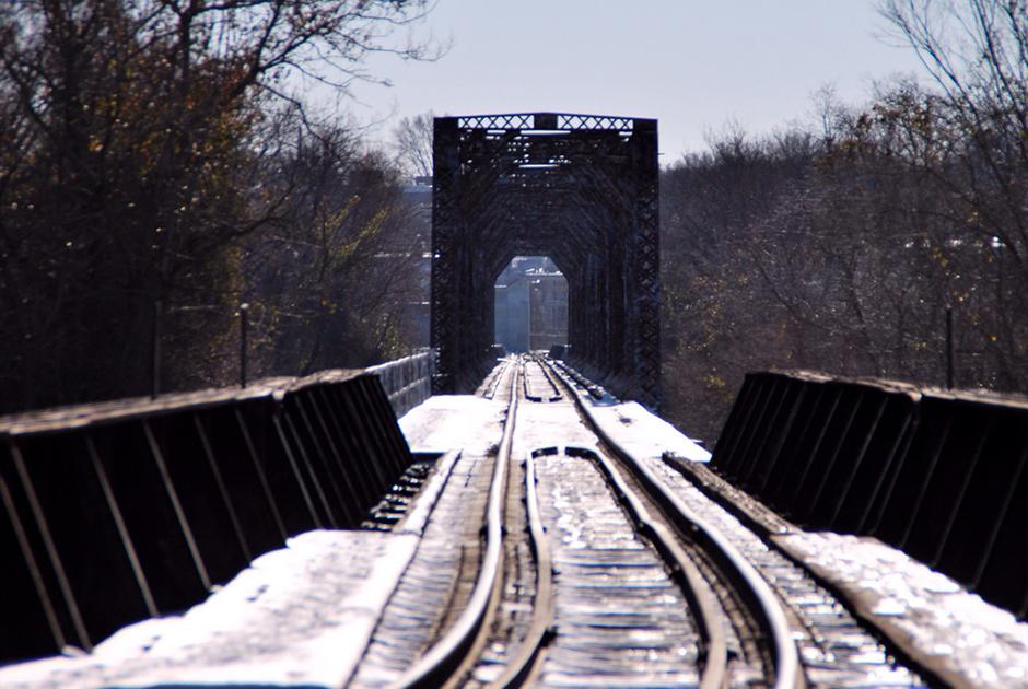 snowtrainbridge