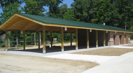 Twin-Hickory-Shelter