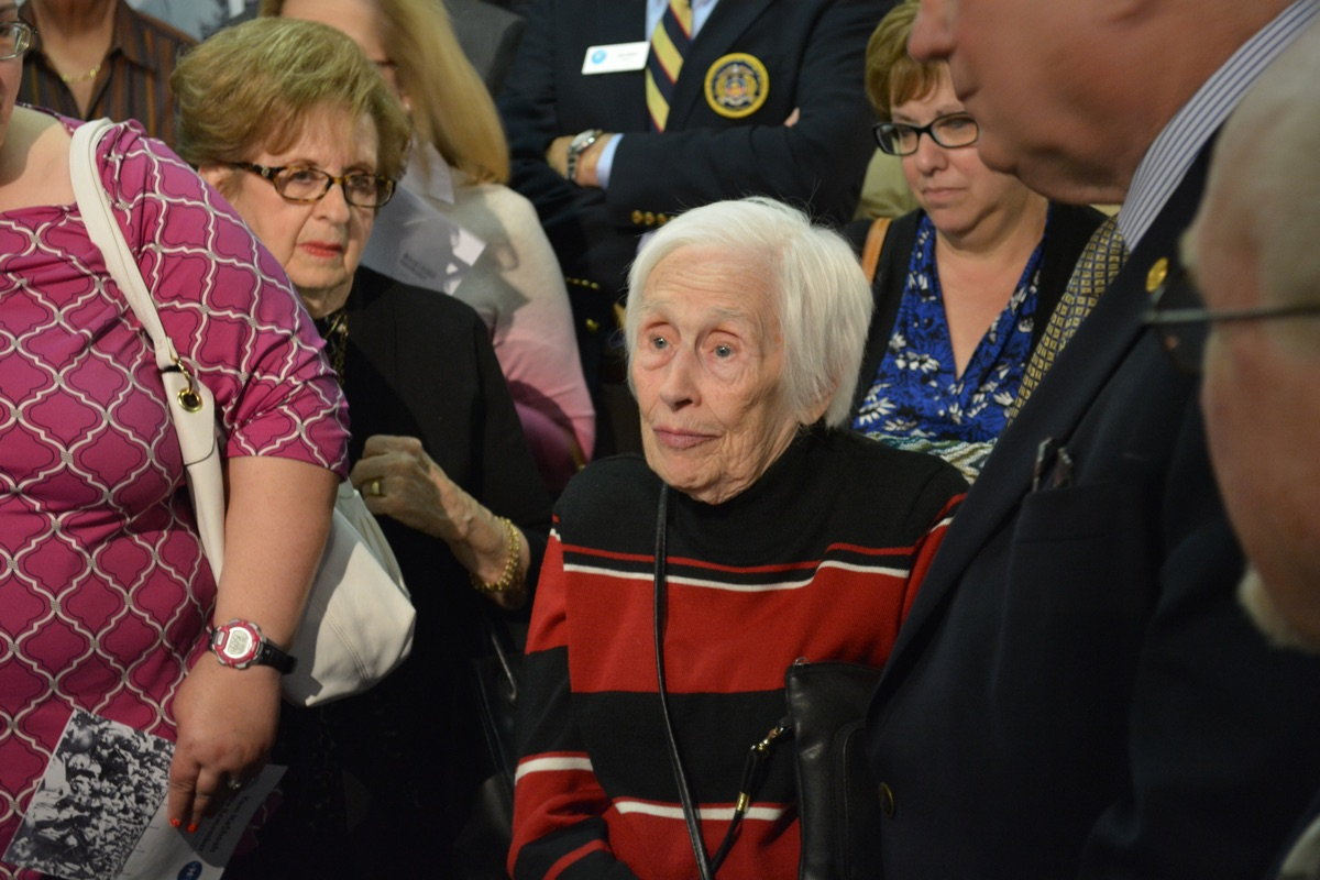Auschwitz Survivor Clara Daniels speaks at the exhibit opening. All photos courtesy of the Virginia Holocaust Museum.