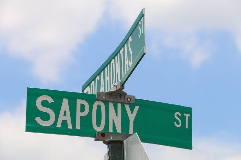 sapony street sign